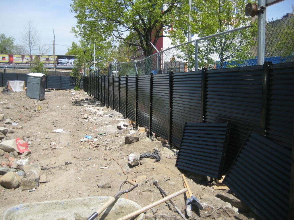 metal fence 001